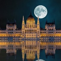 Cruise the Danube to Budapest & Vienna